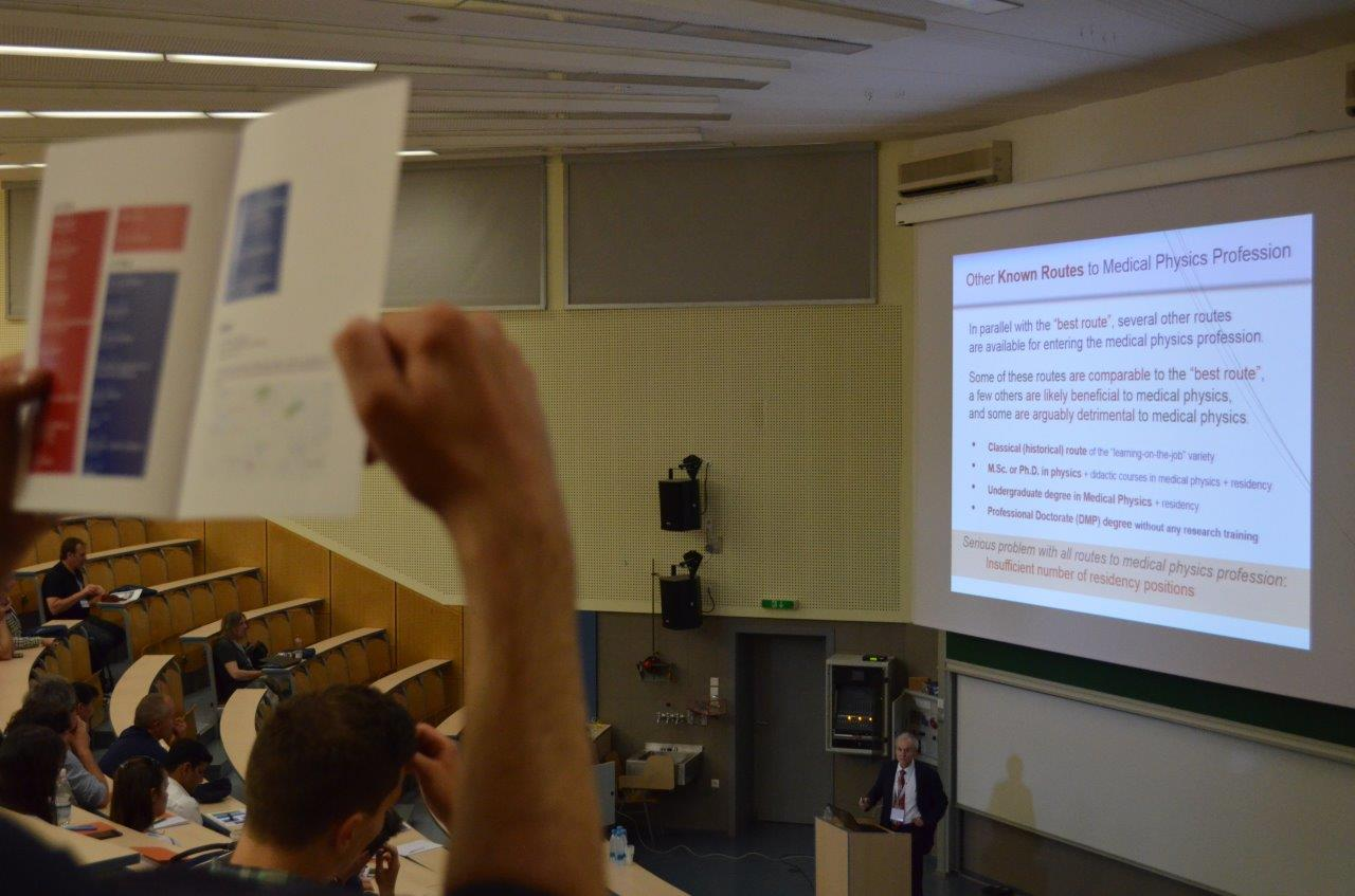 DSC_0252 - Challenges in Modern Radiation Therapy Physics